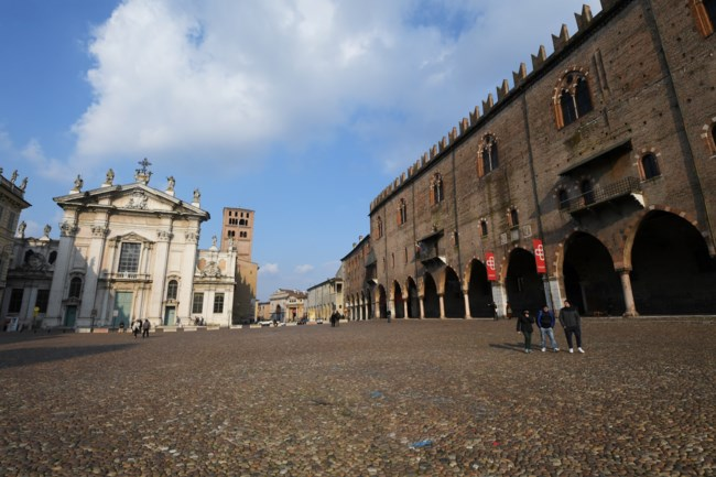 Έρημα τα μνημεία σε όλες τις πόλεις της Ιταλίας -Συγκλονιστικές εικόνες και βίντεο