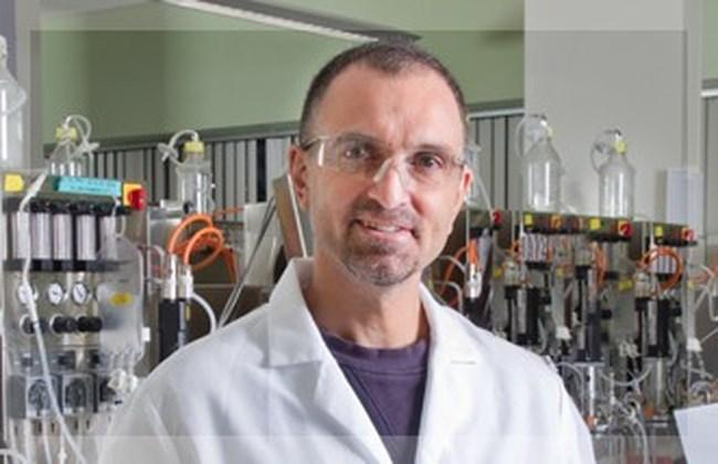 Γιώργος Γιανκόπουλος: Ο ελληνικής καταγωγής δισεκατομμυριούχος επιστήμονας ηγείται της έρευνας για το εμβόλιο στις ΗΠΑ