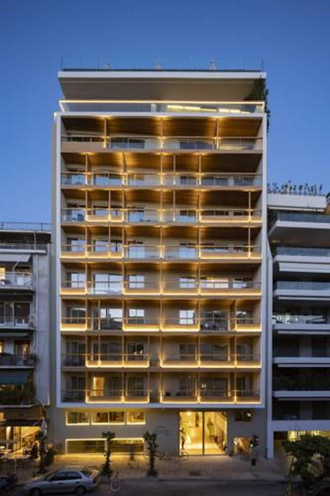 """""""Κόβονται"""" δυο όροφοι από το πανύψηλο ξενοδοχείο στην Ακρόπολη [εικόνες]"""