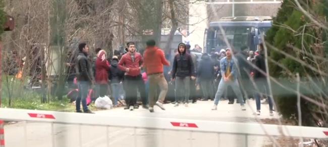 Κλείνουν τα σύνορα με τη Τουρκία- Σφραγίστηκε το τελωνείο στις Καστανιές