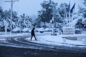 Διακοπές ρεύματος και νερού λόγω του χιονιά: Σοβαρά προβλήματα στα βόρεια προάστια της Αττικής