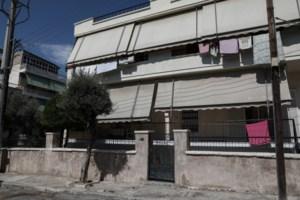 Έγκλημα - Αγία Βαρβάρα: Βίντεο ντοκουμέντο - Η ενέδρα του 75χρονου στην 64χρονη και η φυγή μετά το φονικό [Βίντεο] - εικόνα 2