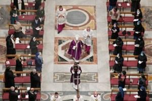Ιστορική επίσκεψη του Πάπα Φραγκίσκου στο Ιράκ: Συνάντηση με τον Μεγάλο Αγιατολάχ αλ Σιστάνι [εικόνες] - εικόνα 2