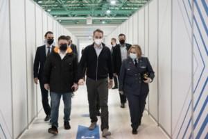 Κορονοϊός: Εκρηξη με 3.133 νέα κρούσματα - Μαύρο ρεκόρ με 728 διασωληνωμένους και 72 θανάτους - εικόνα 2