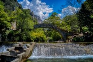 Λίμνη Τσιβλού: Ενας επίγειος παράδεισος στον Χελμό - Μία αλπική λίμνη μέσα σε καταπράσινο τοπίο [εικόνες]