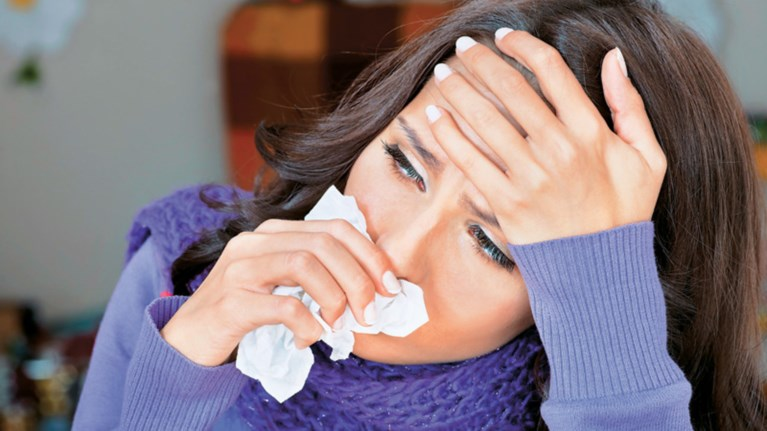 gripi-dwrean-farmaka-apo-ta-nosokomeia--53-oi-nekroi