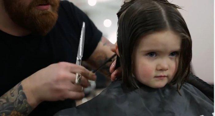 Τρίχρονη χαρίζει τα μαλλιά της σε άρρωστα παιδιά - εικόνα 2
