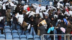 Μαξιλαροπόλεμος στο Λονδίνο ζεσταίνει Ελληνες μαθητές