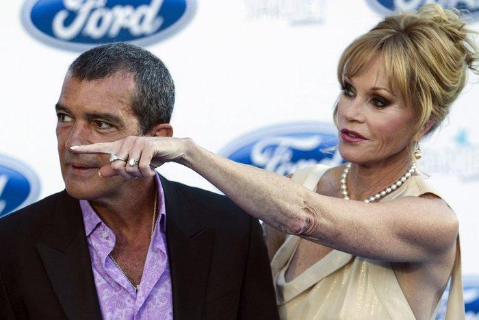 Αντόνιο Μπαντέρας: Χωρίς ρετούς, με μαγιό, στα 53 του!
