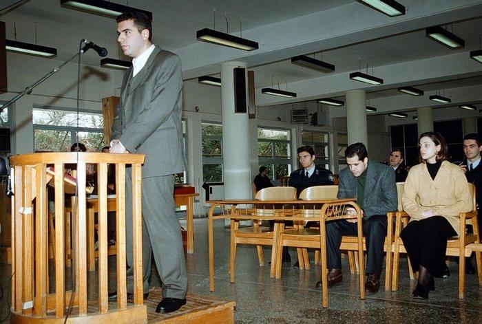 Φωτογραφία από την δίκη των σατανιστών