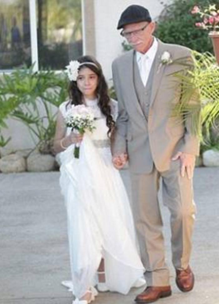 «Nύφη» στα 11 για τον ετοιμοθάνατο πατέρα της!
