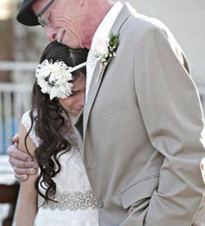 «Nύφη» στα 11 για τον ετοιμοθάνατο πατέρα της! - εικόνα 2