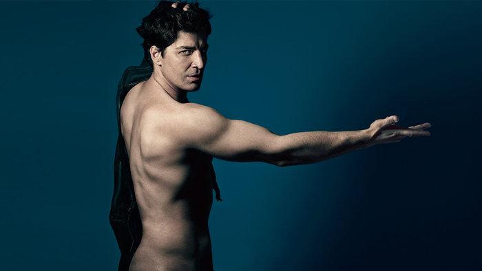 Ο Σάκης Ρουβάς στα 42 του, πέταξε τα ρούχα του! - εικόνα 2