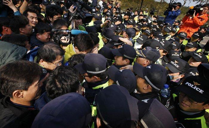 Νότια Κορέα: Οι δύτες εντόπισαν κι άλλους νεκρούς
