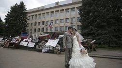 Τέσσερις γάμοι και μια επανάσταση: Αγάπη στα οδοφράγματα της Ουκρανίας