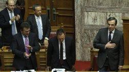 Οι βουλευτές της ΝΔ και του ΠΑΣΟΚ παρέτειναν τη ζωή της κυβέρνησης
