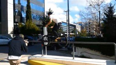 podilatikes-akrobasies-stin-kamera