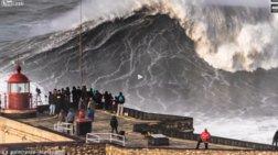 Τεράστια κύματα στις Πορτογαλικές ακτές