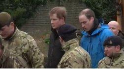 Βρετανία: Γουίλιαμ και Χάρι βοηθούν το στρατό στα φράγματα