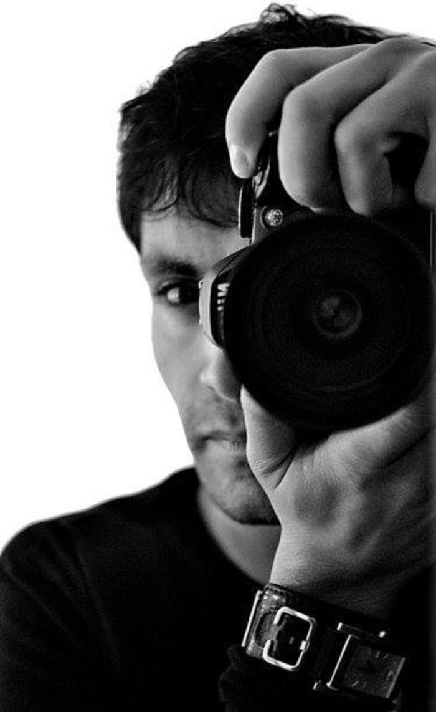 Ο φωτογράφος Γιάννης Καλύβας