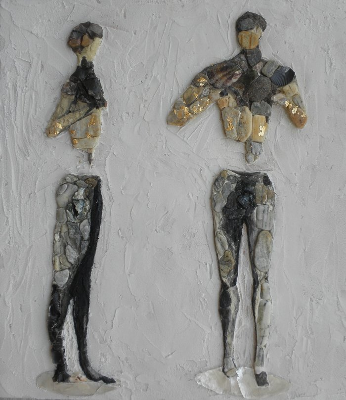 """""""Ο Κούρος του Παλαίκαστρου"""", 44Χ40 εκ., βότσαλα, πέτρα, όστρακα, 2014. Εργο της Φωτεινής Μάτζογλου"""