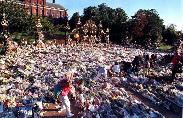 Τι έγινε στο παλάτι του Μπάκιγχαμ όταν πέθανε η Νταϊάνα; Νέες αποκαλύψεις - εικόνα 5