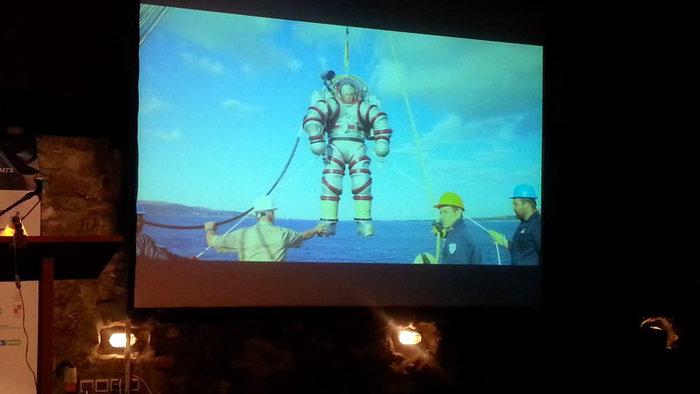 Ηεξειδικευμένη και πανάκριβη ρομποτική στολή (Exosuit)όπως παρουσιάστηκε χθες, Παρασκευή,σε σχετικό βίντεο. Στη νέα ενάλια έρευνα του Ναυαγίου αναμένεται να χρησιμοποιηθεί την ερχόμενη Δευτέρα ή Τρίτη καιρού επιτρέποντος