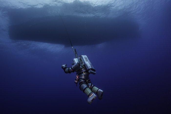 Κατάδυση του ρομποτικού σκαφάνδρου μίας ατμόσφαιρας Exosuit