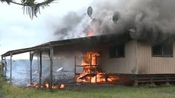 H λάβα καίει σπίτι στη Χαβάη