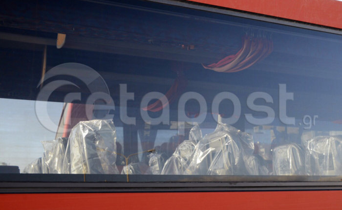 Σε εξέλιξη η αποβίβαση των μεταναστών στην Κρήτη-βρέθηκαν δύο μαχαιρωμένοι - εικόνα 4