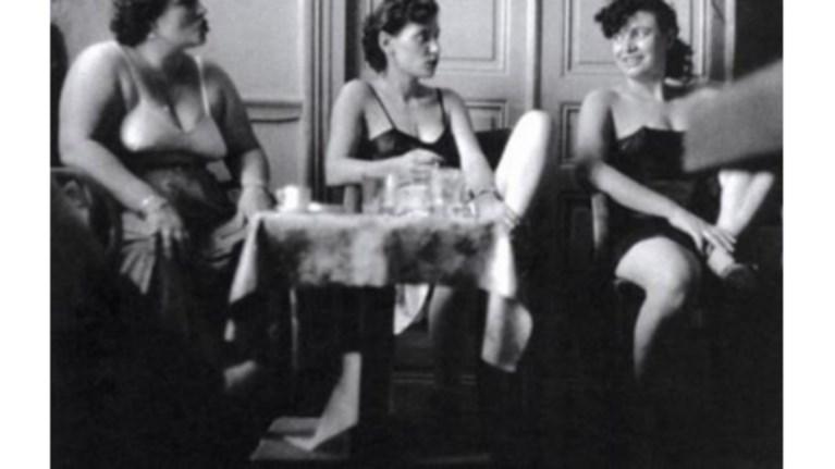 oi-empeiries-mias-pornis-to-1935-sti-drapetswna
