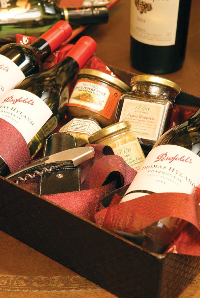 Ο Άγιος Βασίλης φέρνει τα δώρα σας από τα Cellier