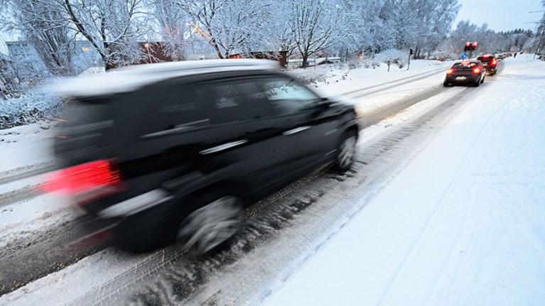 Το εγχειρίδιο της οδήγησης στα χιόνια: τα πρέπει και τα μη