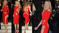Η αισθησιακή γυμνή σάρκα της Κέιτ Χάντσον τυλιγμένη στα κόκκινα