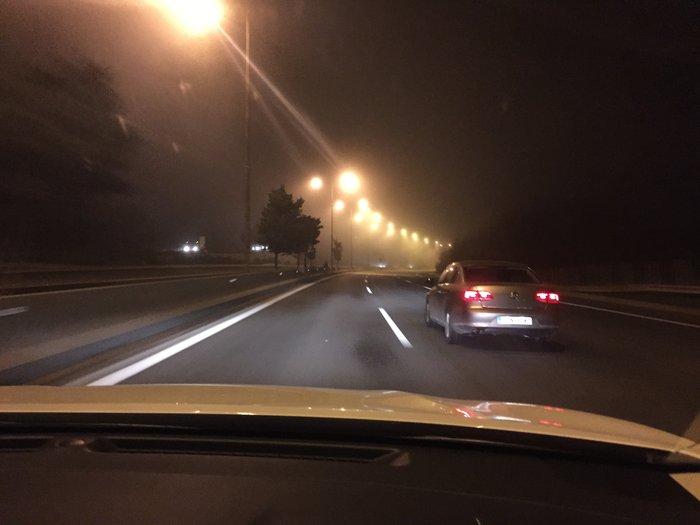 Η βραδυνή οδήγηση με το X-Trail είναι παιχνιδάκι με τα φώτα xenon και τα δεκάδες ηλεκτρονικά βοηθήματα ασφαλείας να σε εξασφαλίζουν