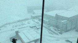 Στο έλεος του χιονιά η Βρετανία