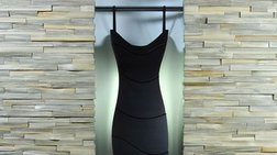 ...Little black dress φτιαγμένο από συρτάρια