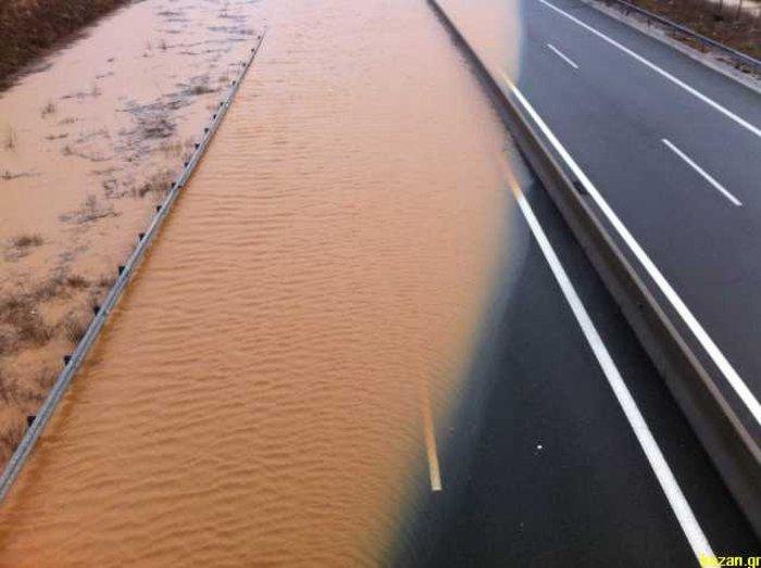 Πλημμύρισε η Εγνατία Οδός [Φωτο - Βίντεο]