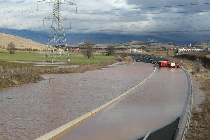 Πλημμύρισε η Εγνατία Οδός [Φωτο - Βίντεο] - εικόνα 5