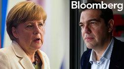 bloomberg-giati-i-merkel-apofeugei-ton-tsipra