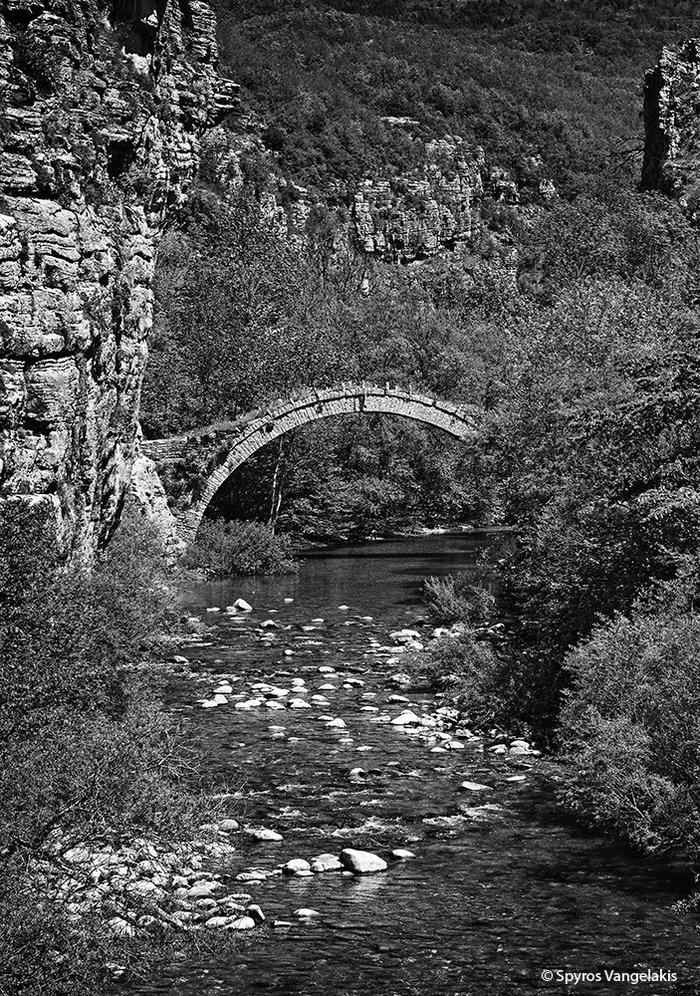 Το γεφύρι του Κοντοδήμου