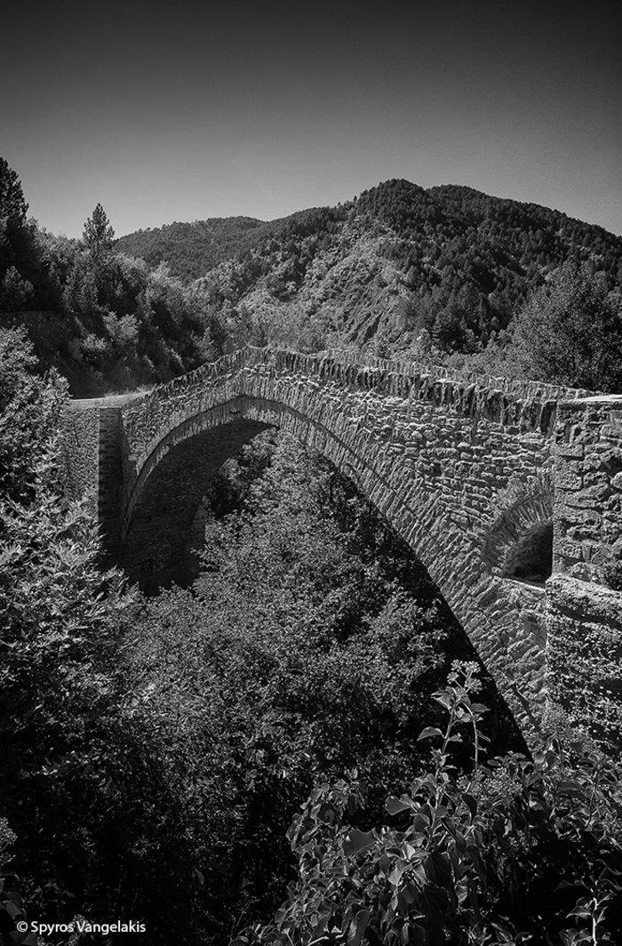 Το γεφύρι της Μαύρης Πέτρας
