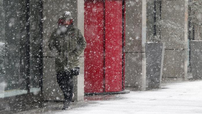 Στα λευκά η Αττική-Χιονιάς σε όλη την Ελλάδα