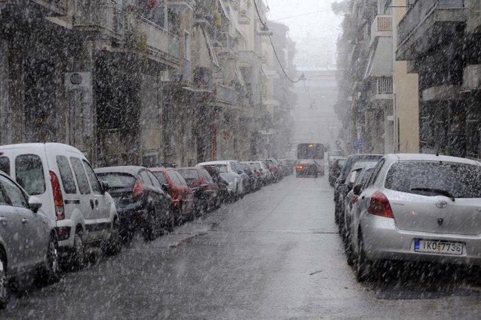 Στα λευκά η Αττική-Χιονιάς σε όλη την Ελλάδα - εικόνα 7