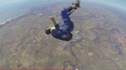 thriler-ston-aera-skydiver-xanei-tis-aisthiseis-tou