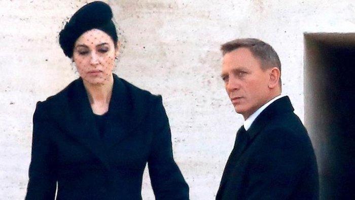 Μόνικα Μπελούτσι: Δεν είμαι κορίτσι του Τζέιμς Μποντ, είμαι η γυναίκα του