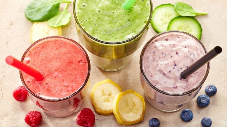 diy-ugieina-smoothies--4-eukoles-kai-laxtaristes-suntages