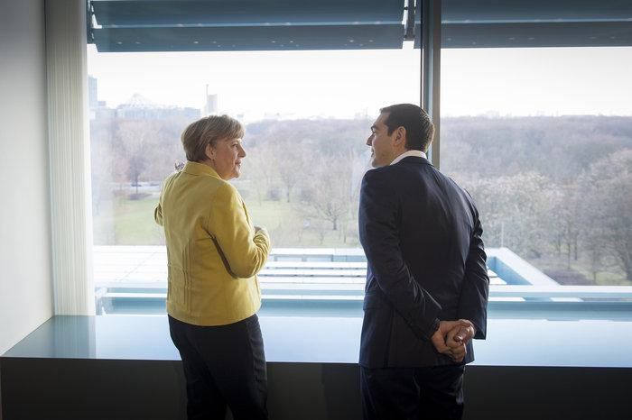 Σε τροχιά Realpolitik ο Τσίπρας από το Βερολίνο