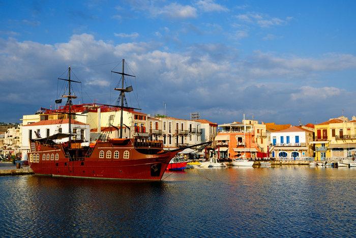 Ισπανικό αφιέρωμα: Τα 10 ομορφότερα μέρη στην Ελλάδα να ζήσεις για πάντα!