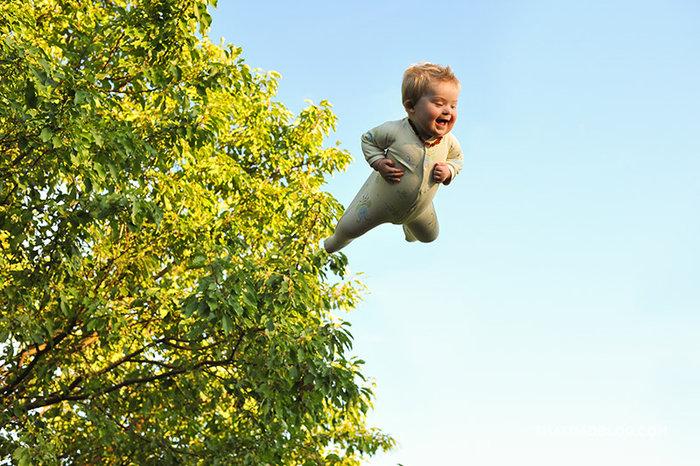 «Ο 17 μηνών γιος μου έχει σύνδρομο Down και του αρέσει να πετάει!» - εικόνα 9